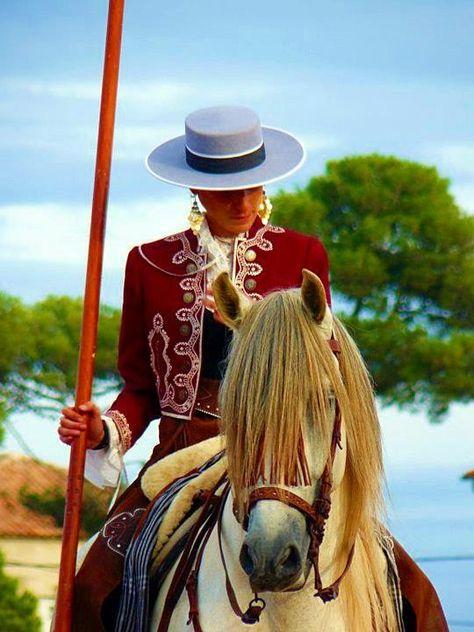Andalusian Feria de Sevilla, Spain. Las mujeres más bellas de sevilla con sus caballos hermosos y vestidas de cordobeses