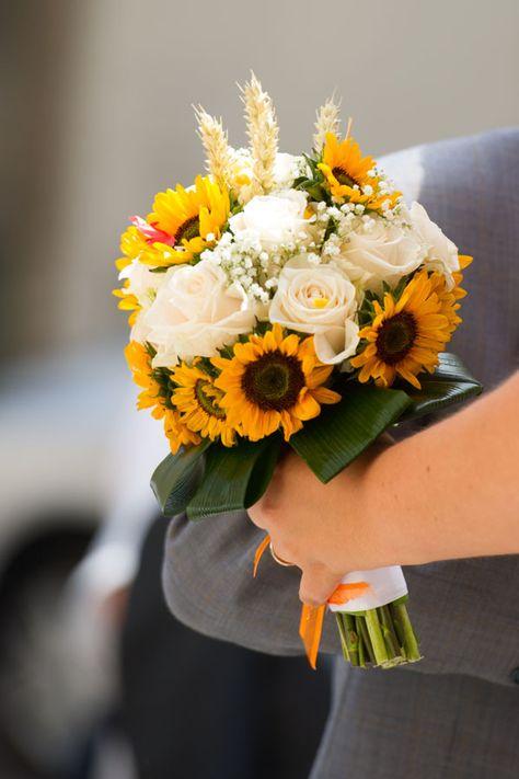Bouquet Sposa Girasole.Matrimonio Estivo In Vespa Matrimonio Bouquet Matrimonio E Girasoli
