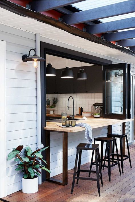 Before & After: A cafe-inspired kitchen renovation