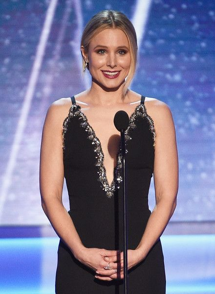Host Kristen Bell speaks onstage during the 24th Annual Screen ActorsGuild Awards.