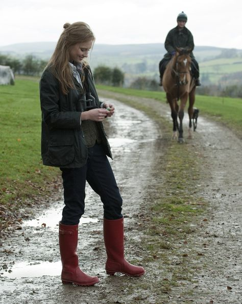 Barbour Equestrian. http://www.annabelchaffer.com/categories/Country-Pursuits/
