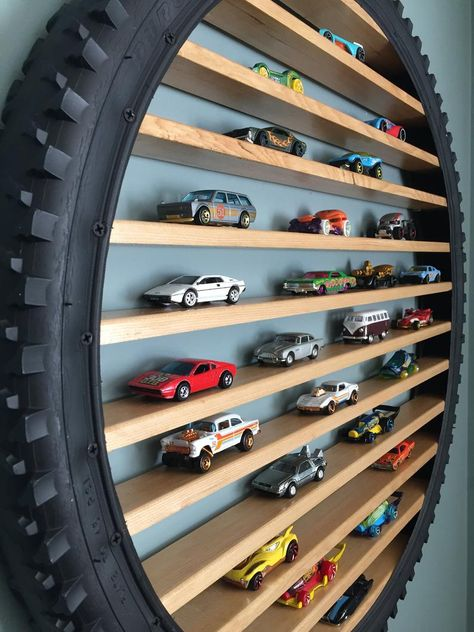 Hot Wheels Storage, Toy Car Storage, Hot Wheels Display, Playroom Storage, Kids Room Organization, Toy Rooms, Diy Furniture, Wood Crate Furniture, Home Projects