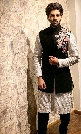 Pin By Sachin Ahlawat On Mens Outfits Wedding Dresses Men Indian Wedding Dress Men Groom Dress Men