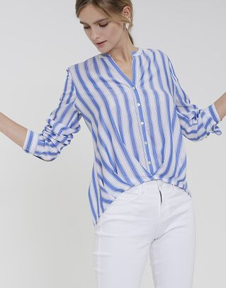 1d90eaed7561 Pin by Lehmanns in Wedel on Styling | Casual chic | Stehkragen bluse ...