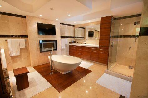 Modern Master Bathroom with Ceramic Tile, High ceiling, Master bathroom…