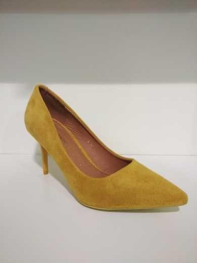 Zapatos de tacón amarillo punta fina | ~ ZAPATOS ~ | Zapatos