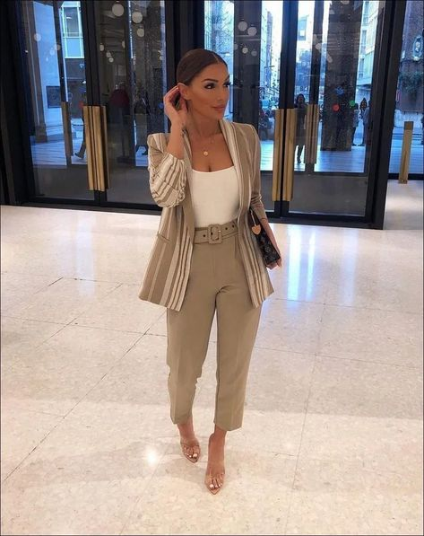 42+ Trendy Winter Outfits To Help To Level Up Your Winter Style - Wass Sell