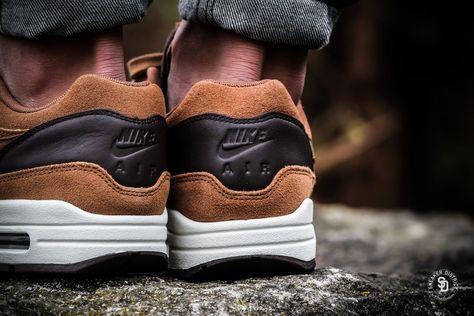 Nike Air Max 1 Premium Leather Ale BrownGolden Beige Baroque Brown heren sneakers | Sneaker District