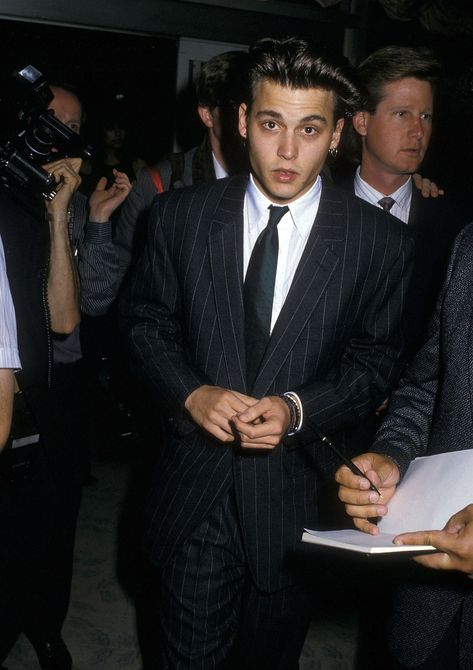 From teen heartthrob to leading stud, Johnny Depp knows how to wear a suit. The Council of Fashion Designers of America is honoring Depp with the Fashion Icon of the Year award. Young Johnny Depp, Celebrity Dads, Celebrity Crush, Hugh Jackman, Jhony Depp, Chris Hemsworth, Channing Tatum, Junger Johnny Depp, Vintage Man