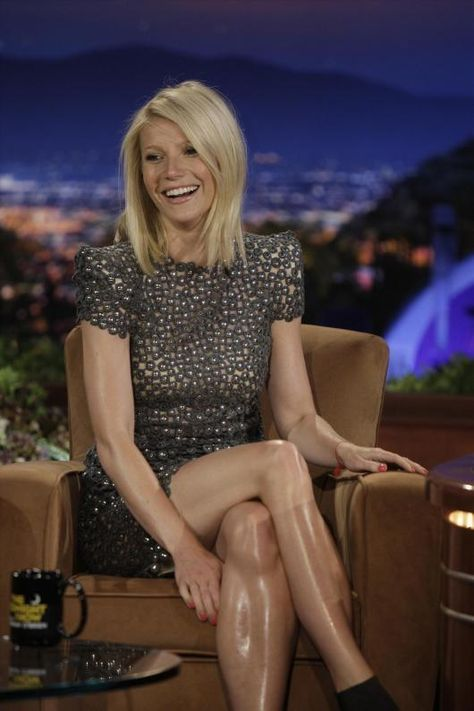 Hairy Styles: Gwyneth Paltrow's Extremely Shiny Legs