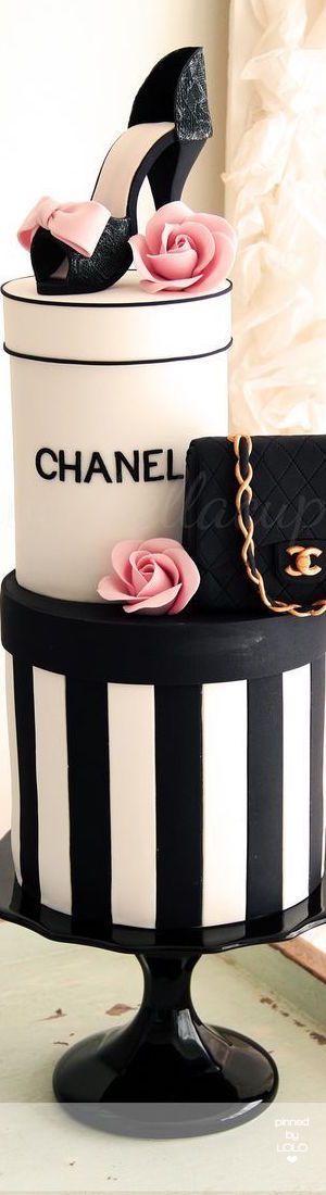 Chanel Cake    LOLO❤︎