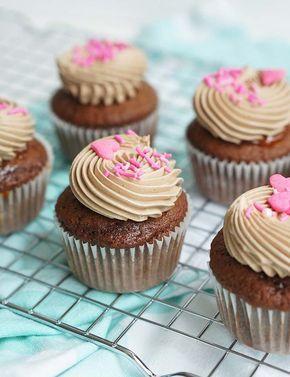 Verrassend chocolade cupcakes met karamel vulling - Taart vulling recepten PD-53