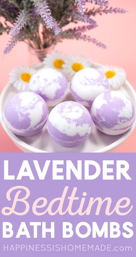 DIY Lavender Bath Bomb Recipe: Relax and unwind at bedtime with these calming and soothing chamomile lavender bath bombs! Makes a great gift idea, too! Bath Bomb Recipes, Soap Recipes, Bath Fizzies, Bath Salts, Lavendar Bath Bombs, Bath Boms Diy, Happiness Is Homemade, Diy Cosmetic, Entspannendes Bad