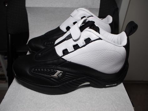 028870a958ac Reebok The Answer 4 IV Stepover Allen Iverson Size 8 BLACK WHITE V55619