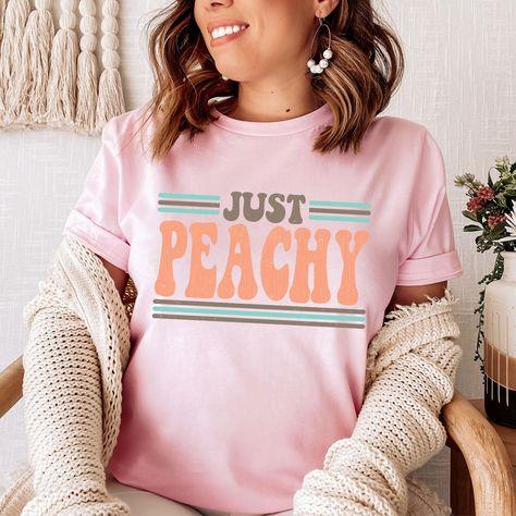 Just Peachy Tee #dailyparenting #comfystyle #millennialmom #fashion #itsallgood #whatiwear #dailymotherhood #vacationstyle #mominspiration #keepingitreal