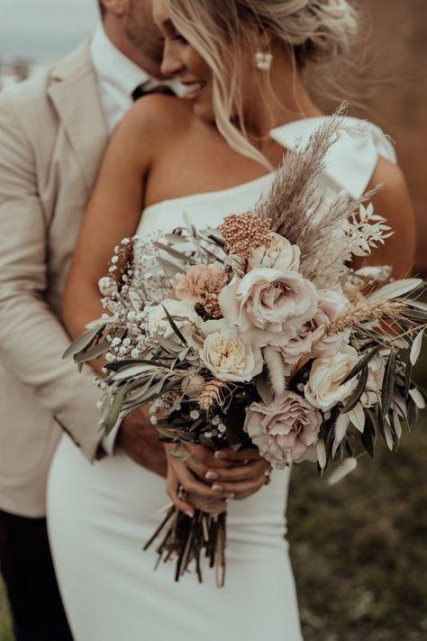 Boho Wedding Bouquet, Floral Wedding, Bride Bouquets, Vintage Wedding Flowers, Bridal Flowers, Flower Wedding Dresses, Autumn Wedding Flowers, Natural Wedding Flowers, Bohemian Wedding Flowers