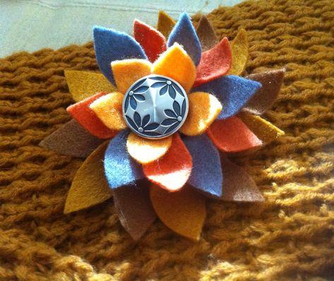Broche en forme de chou en feutrine orange, marron et violet.   Broche par  babachicklit   MeS CRéaS BaBaChickLit - BOHèMe   Pinterest   Mode  accessoires, ... 1e48a87faf5