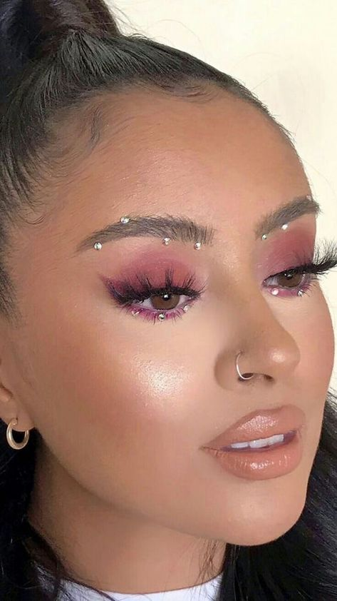 Piercing and purple eye makeup . Piercing and purple eye makeup Makeup Eye Looks, Purple Eye Makeup, Creative Makeup Looks, Pretty Makeup, Jewel Makeup, Crystal Makeup, Exotic Makeup, Dramatic Makeup, Makeup With Glitter