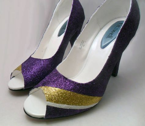 Vikings football glitter shoes I think I need these fo rthe next football game!!  GLITTER