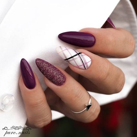 39 Trendy Fall Nails Art Designs Ideas To Look Autumnal & Charming - autumn nail art ideas , fall nail art, short nail art designs, autumn nail colors, dark nail designs, coffin nails #autumnnails #fallnails #nailideas