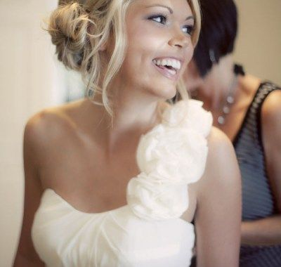 Wedding Hairstyles With One Shoulder Dress