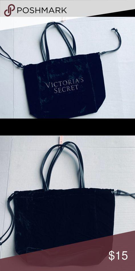 Victoria Secret Tote Bag </p>                     </div>   <!--bof Product URL --> <!--eof Product URL --> <!--bof Quantity Discounts table --> <!--eof Quantity Discounts table --> </div>                        </dd> <dt class=