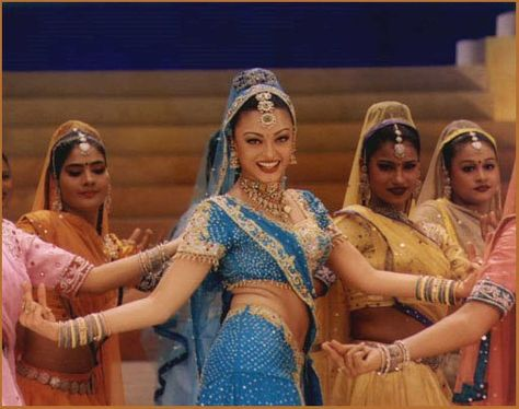Bollywood movies are all about drama, dancing, beautiful costmes and exotic vibrant colours