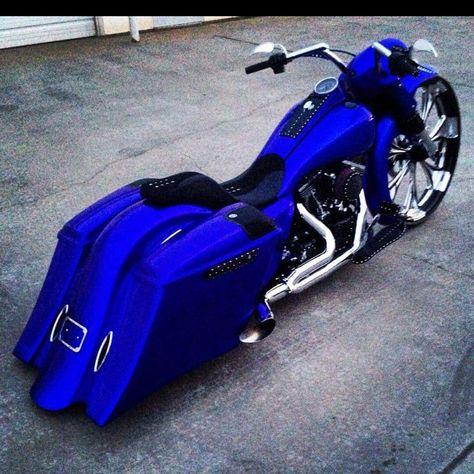 Custom Street Glide, Custom Street Bikes, Custom Sport Bikes, Harley Bagger, Harley Bikes, Harley Davidson Bikes, Triumph Motorcycles, Cool Motorcycles, Blue Motorcycle