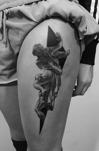 Classical Thigh Piece By Pawel Indulski Tattoosforwomen Cool Tattoos Tattoos Unique Tattoos