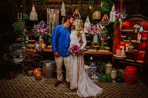 Decoração de casamento na praia #handmade #baudehippie #feitoamao #filtrodossonhos #mandala #dreamcatcher #vitoriaes #apanhadordesonhos #art #artesanato #decoracao #mandalaart #decoracaodecasamento #decoracaodeinteriores #compredopequeno #compredequemfaz #macrame #artehippie #decor #macrameart #bohochic #boho #bohohome #casamento #macramemaker