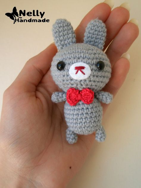 Baby Bunny Amigurumi - Free Russian Pattern here: http://nellyhandmade.blogspot.com.es/2014/06/blog-post_30.html  English Google Translation here: https://translate.google.com.co/translate?hl=es&sl=ru&tl=en&u=http%3A%2F%2Fnellyhandmade.blogspot.com.es%2F2014%2F06%2Fblog-post_30.html
