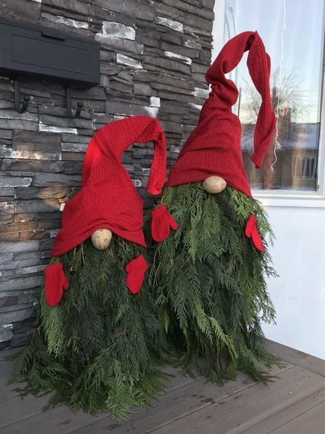 31 DIY Christmas Outdoor Decorations Ideas