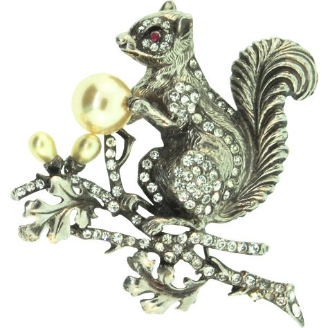 Rare Vintage STARET Rhinestone Fx Pearl Squirrel on a Branch Figural Brooch Pin
