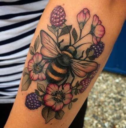 62 Ideas Flowers Tattoo Color Shading For 2019 Subtle Tattoos Bee Tattoo Tattoos