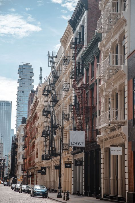 40 photos of NYC during Quarantine Showcasing what New York City looks like by neighborhood through this photography diary. New York Aesthetic. New York Trip, New York Life, Nyc Life, New York City Travel, London Travel, City Aesthetic, Travel Aesthetic, Aesthetic Vintage, Aesthetic Girl