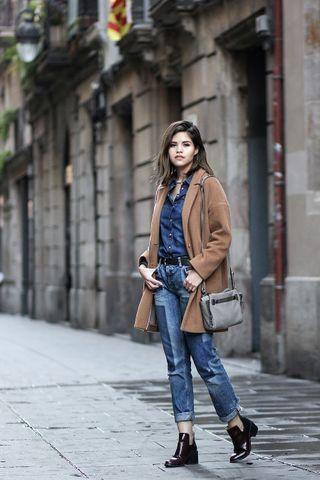 Jeanshemd kombinieren: DIESE Styling Tricks sollte jede Frau