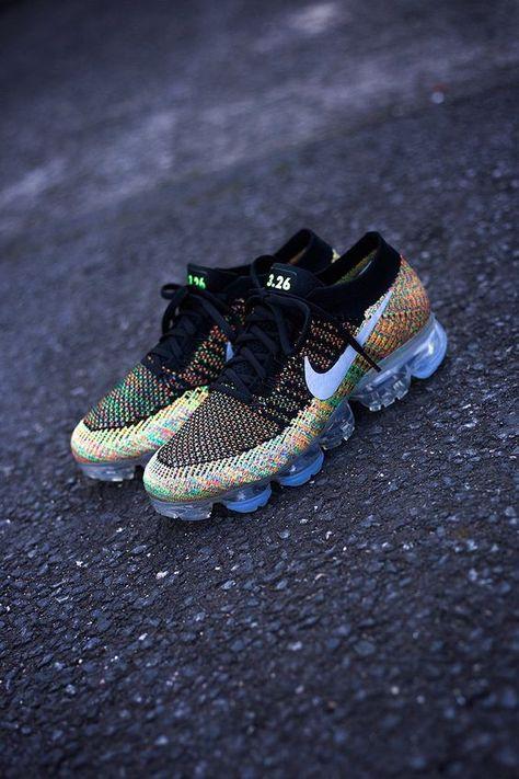1e59e86bcb569 Examples  Nike iD Air Max 1 Flyknit   Air VaporMax  Multicolour - EU Kicks   Sneaker Magazine