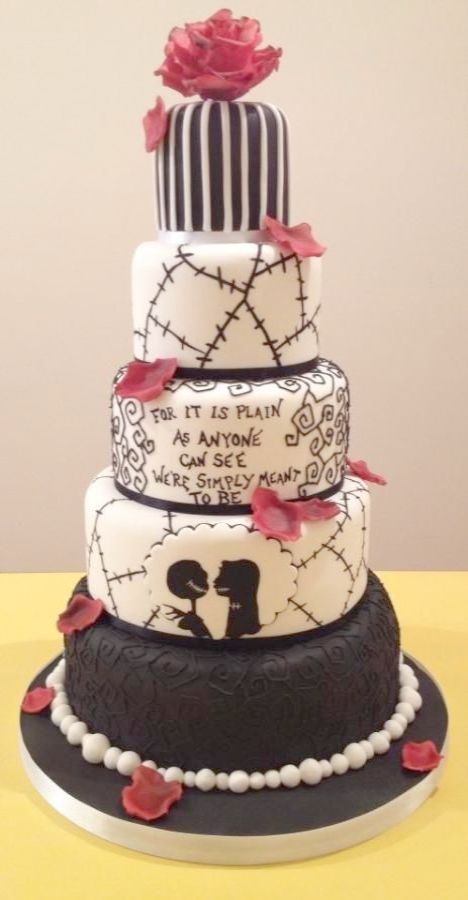Fantastic Wedding Cakes Near Me Prices Get Christmas Wedding Cakes Halloween Wedding Cakes Nightmare Before Christmas Wedding