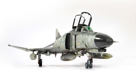 JR miniatures - F4F Phantom 1/32 Revell