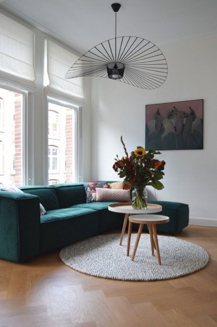 Super Toffe Tv Hoek Met Groene Fest Bank Mooie Lamp Van Petitefriture En Kleed Van Sukhi Atelier09 Thuisdecoratie Huis Interieur Huis Interieur Design