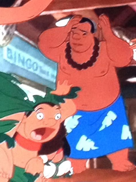 I know people say don't pause Disney movies ever but I think it's worth it. Sums up Lilo and Stitch perfectly Disney Fails, Disney Jokes, Funny Disney Memes, Cartoon Memes, Stupid Funny Memes, Funny Relatable Memes, Disney Cartoons, Hilarious, Funny Fails