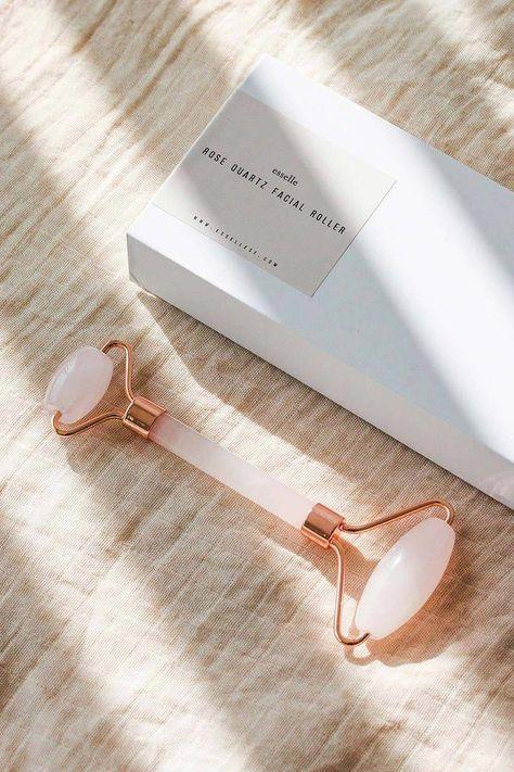 Rose Quartz Facial Roller in Rose Gold