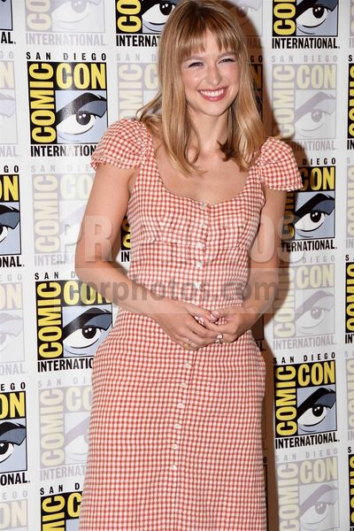 Melissa Benoist Attending The 2019 Comic Con International Cw S Supergirl Arrivals Held At The Hilton Bayfront 1 Park Supergirl Melissa Benoist Comic Con