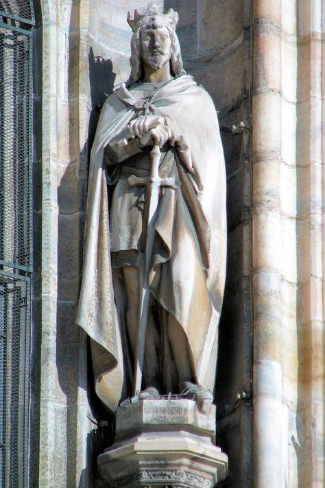 San Ferdinando III - Re di Leon e di Castiglia - Patrono degli Ingegneri - Duomo di Milano - Fronte sud esterno // Photo: Claudio Bertolesi // #king #Spain