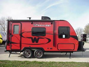 2017 Winnebago Minnie 1706fb Camping Trailer For Sale Used