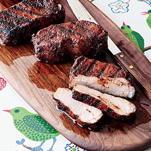 Cocoa-and-Chile-Rubbed Pork Chops Recipe