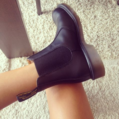 Shoes: chelsea boots, chelsea, black leather, black, boots ...