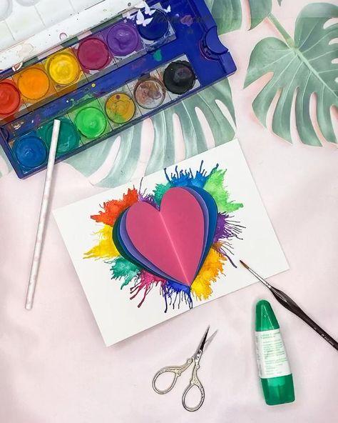 Diese Herzkarte mit der Puste-Technik sieht nicht nur super schön aus, sie ist auch das ideale Bastel-Projekt für Kinder👌 #bastelnmitkindern #tusche