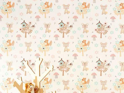 39,90€ Prix par rouleau (par m2 7,67€), Papier peint chambre d'enfant, Matériel de base: Papier peint intissé, Surface: Lisse, Aspect: Chatoyant, Design: Arbres, Fleurs, Animaux, Abri pour oiseaux, Couleur de base: Blanc crème, Couleur du motif: Brun pâle, Beige gris, Rosé clair, Brun orange, Vert pastel, Caractéristiques: Bonne résistance à la lumière, Difficilement inflammable, Arrachable à sec, Encollage du mur, Lessivable