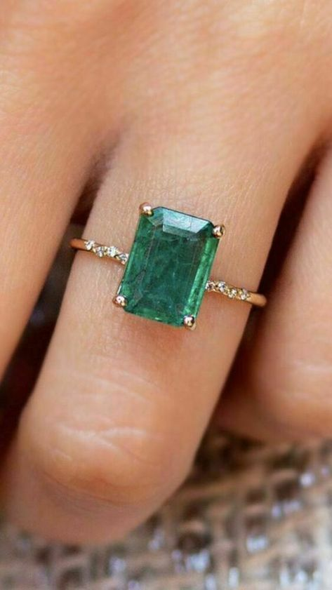2.00 Ct Emerald & Diamond Engagement Wedding Ring Solid 14K Yellow Gold Finish #mayoongold #SolitairewithAccents